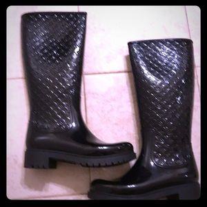 Lots Vuitton rubber rain boots